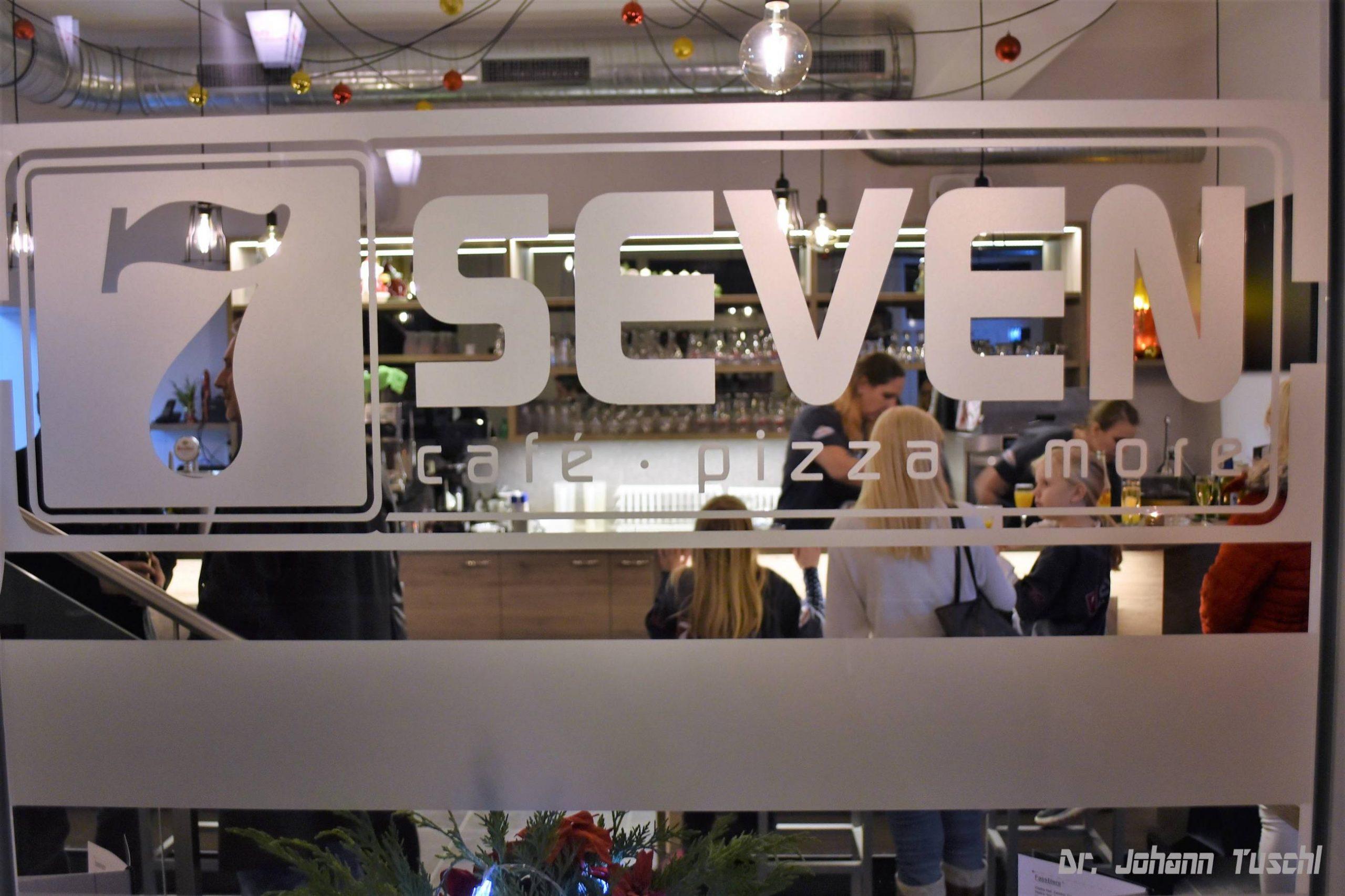 Pizzeria • SEVEN • Restaurant • Cafè